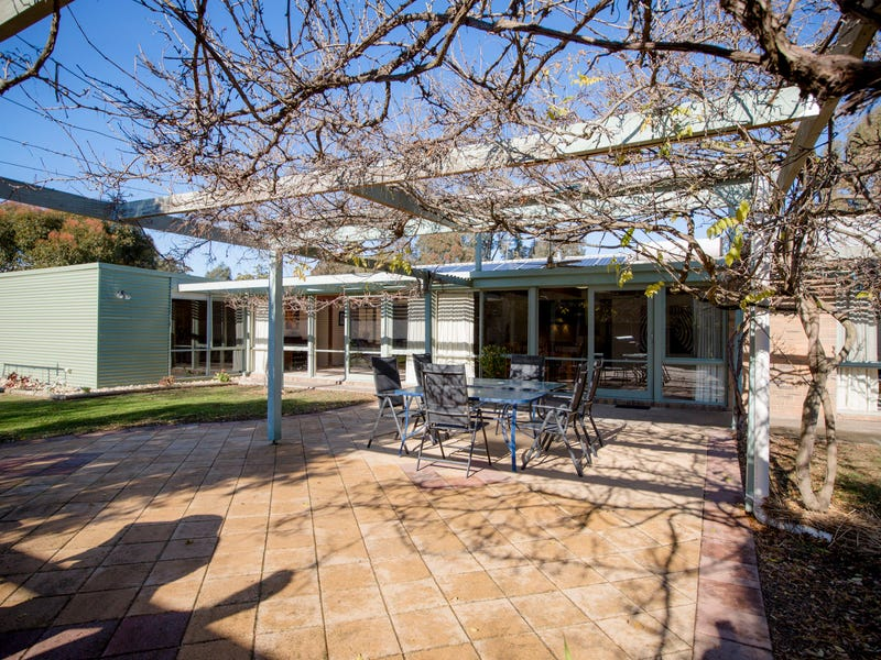 90 Avenel Road, Seymour, Vic 3660