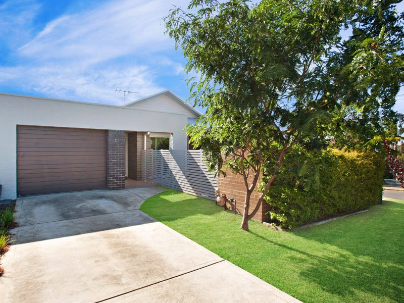 1/4 Foster Street, Tenambit, NSW 2323