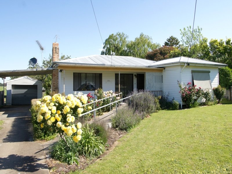 21 Main Street, Derrinallum, Vic 3325