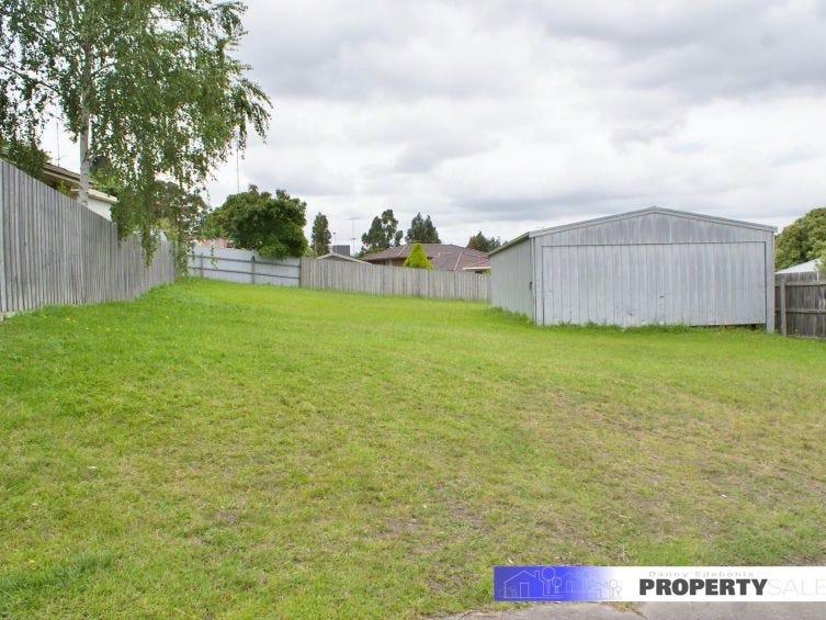 12 Varcoe Court, Newborough, Vic 3825