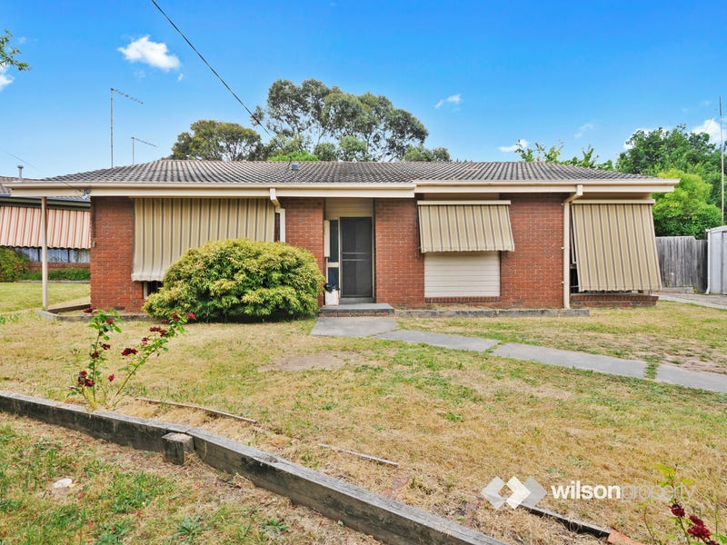 8 Donald Court, Traralgon, Vic 3844