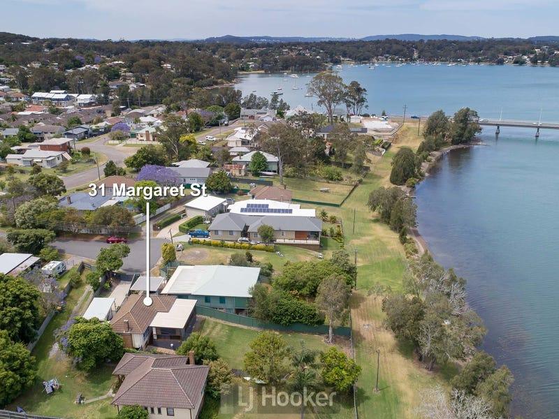 31 Margaret Street, Fennell Bay, NSW 2283