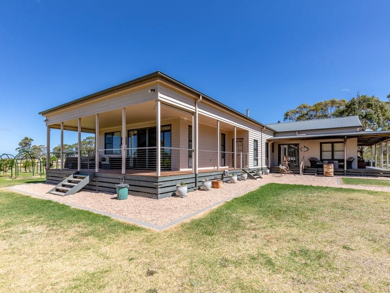 729 Carrs Creek  Road, Longford, Vic 3851