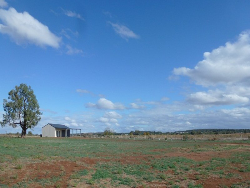 22 Southlake Drive, Lake Wyangan, NSW 2680