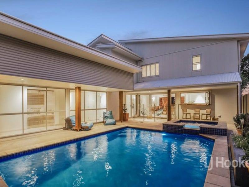 56 White Patch Esplanade, White Patch, Qld 4507
