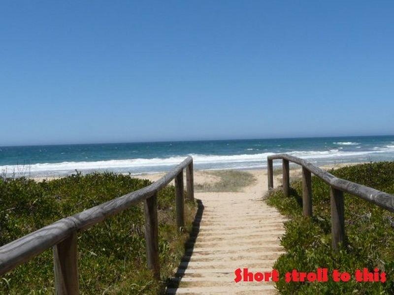 4 Edgewater Drive, Diamond Beach, NSW 2430