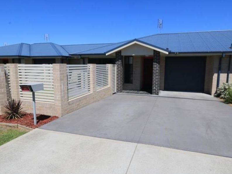 2/33 Broomfield Crescent, Hunterview, NSW 2330