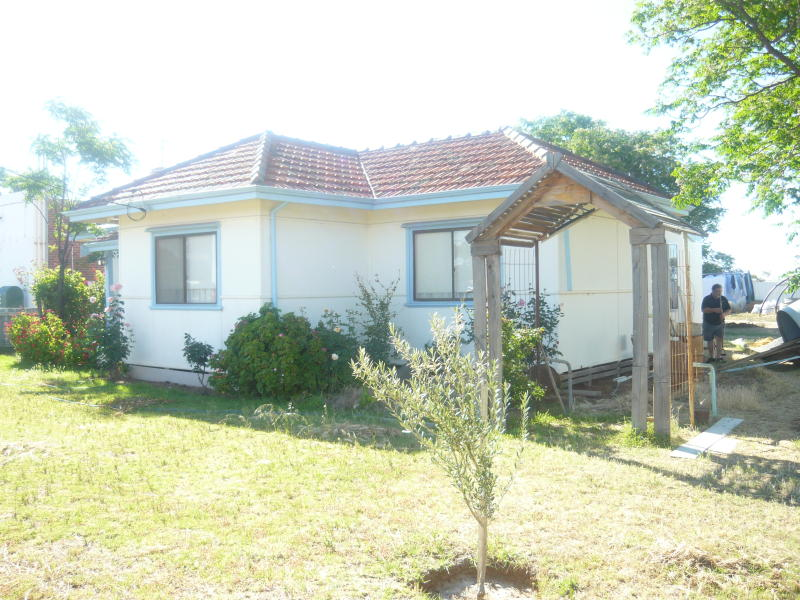 8 & 9 Great Eastern Highway, Hines Hill, WA 6413