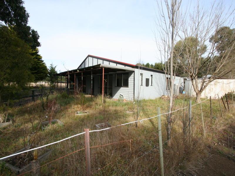 805 Bacchus Marsh Road, Bullengarook, Vic 3437