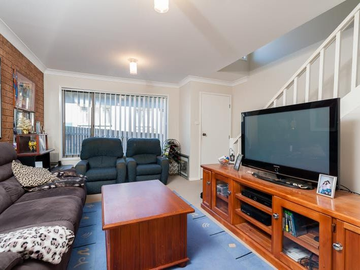 2/14  York Street, Point Frederick, NSW 2250