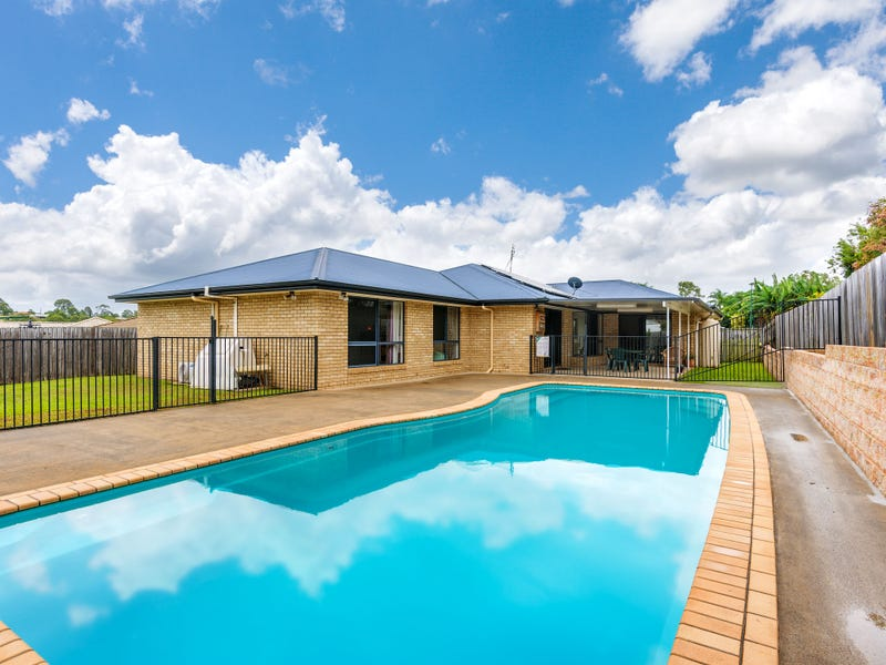3 Decker Place, Southside, Qld 4570