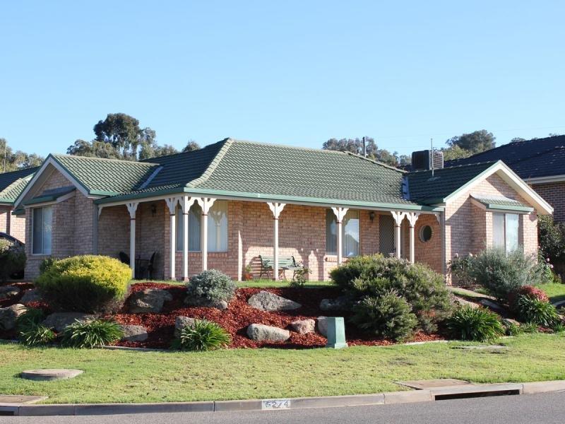 1/4 Tamar  Dr, Tatton, NSW 2650