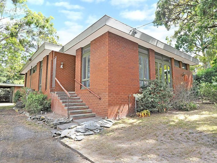 211 Shire Avenue, Mount Helen, Vic 3350