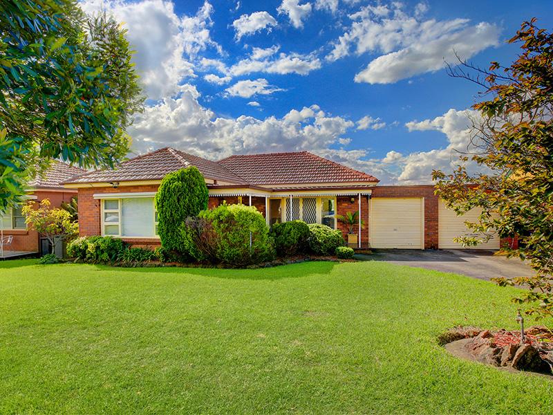 8 Seidel Avenue, Picnic Point, NSW 2213
