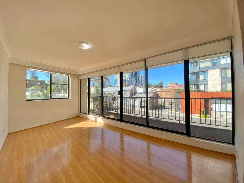 13/2-8 Park Avenue, Burwood, NSW 2134