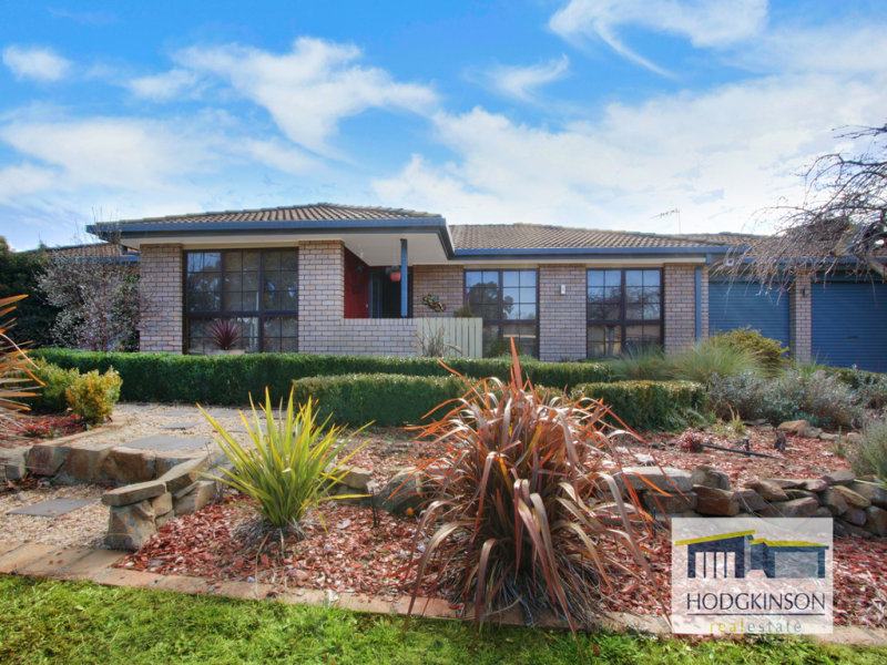 1 Hazel Smith Crescent, Oxley, ACT 2903