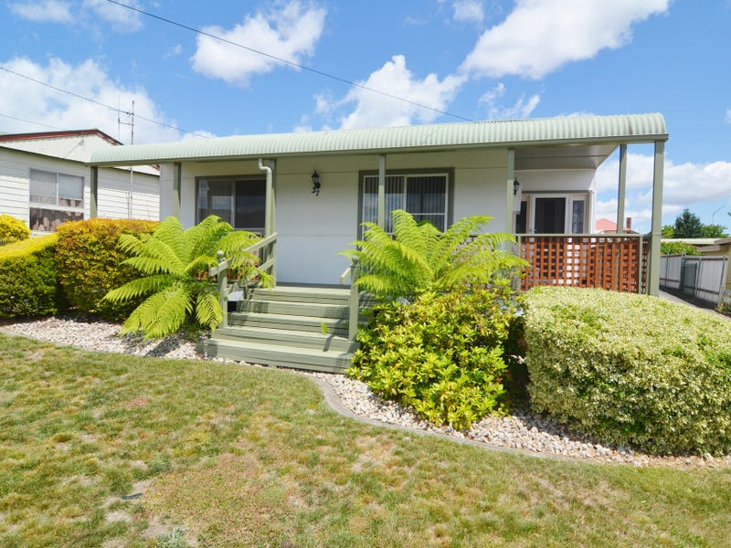 37 Musket Parade, Lithgow, NSW 2790