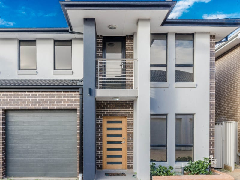 15/10 Old Glenfield Road, Casula, NSW 2170