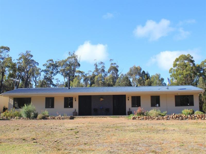 883 Sandy Point  Rd, Tarago, NSW 2580