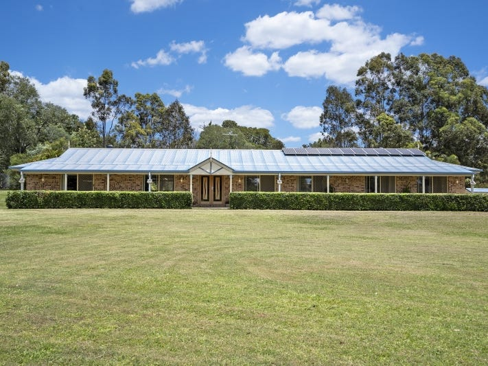 4 Stanley Robinson Court, Camp Mountain, Qld 4520