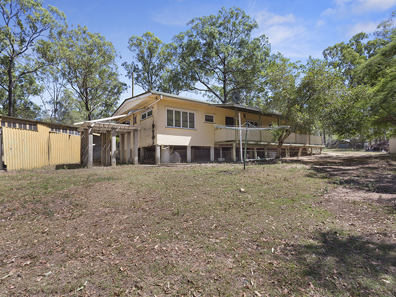 562 Middle Road, Greenbank, Qld 4124
