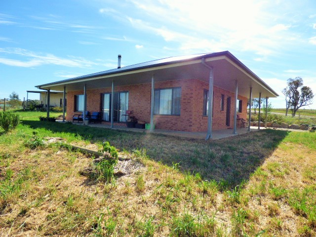 105 Back Demondrille road, Harden, NSW 2587