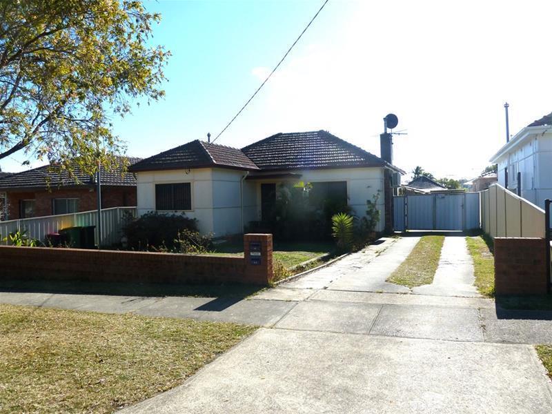 19 Daphne Avenue, Bankstown, NSW 2200
