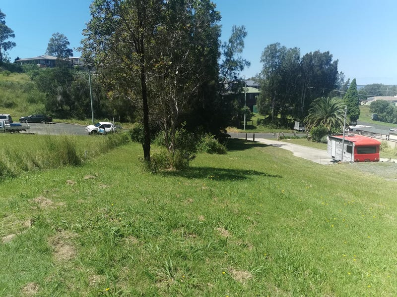5 Yarran Place, Coomba Park, NSW 2428