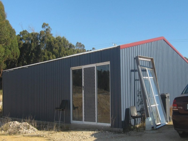 Address available on request, Clarence Point, Tas 7270