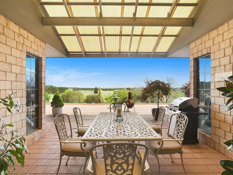 17 Marked Tree Road, Gundaroo, NSW 2620