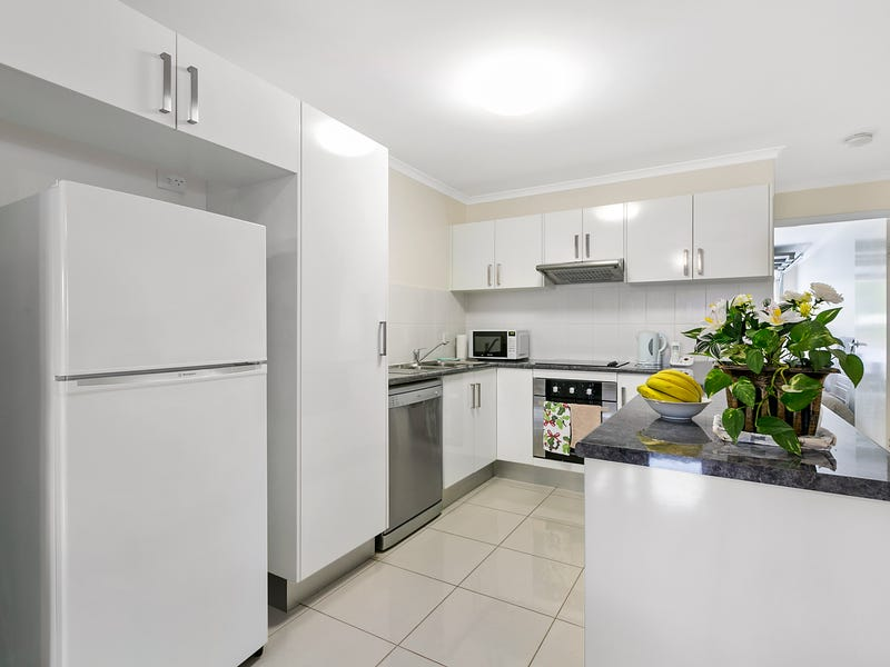 2 18 Wisteria Lane Southside Qld 4570