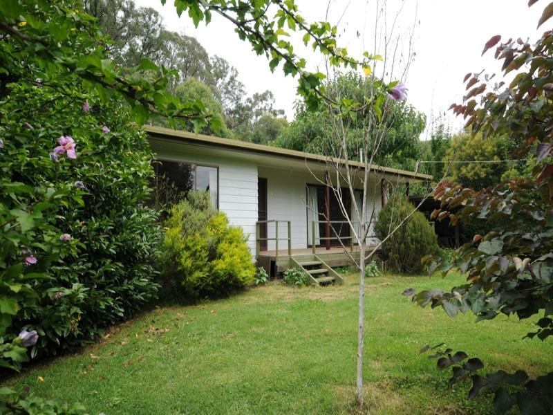 13 Pine Court, Freeburgh, Vic 3741
