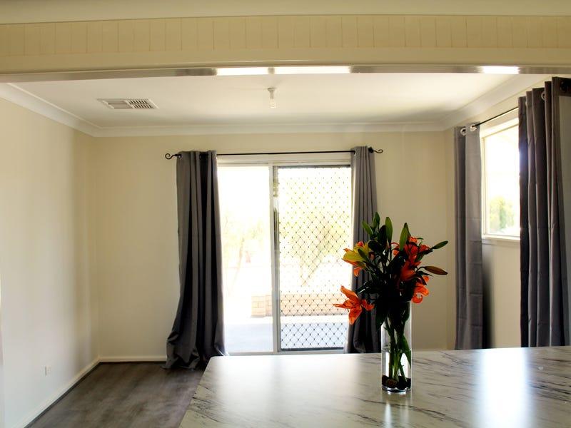 9 Argoon Street, Cowra, NSW 2794