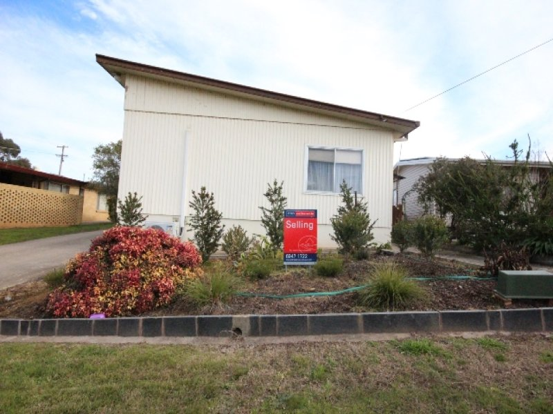 1 and 2 / 209 Capper Street, Tumut, NSW 2720