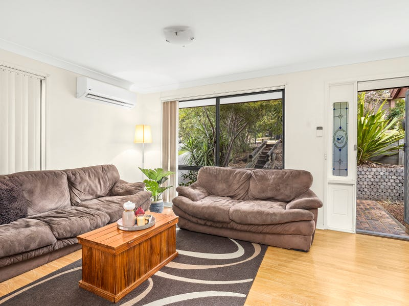 4 Telopea Place, Cordeaux Heights, NSW 2526