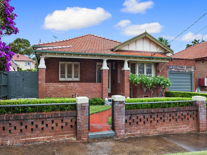 15 Bouvardia Street, Russell Lea, NSW 2046