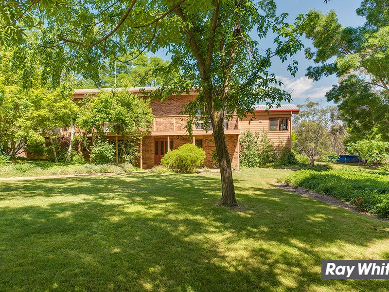 156 Woodgrove Close, Wallaroo, NSW 2618