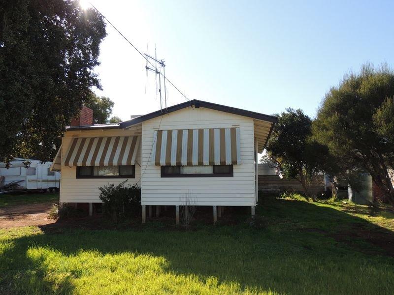 14 Boga Street, Lake Boga, Vic 3584