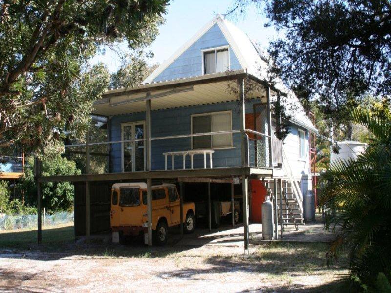94 Goondool Street, Moreton Island, Qld 4025