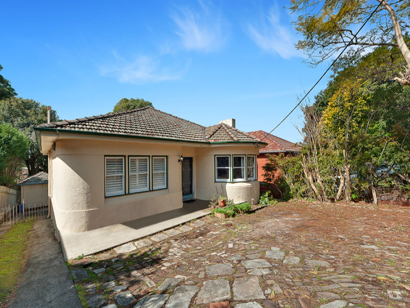 197 Eastern Valley Way, Middle Cove, NSW 2068