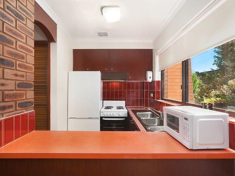 4/27 Mowatt Street, Queanbeyan, NSW 2620