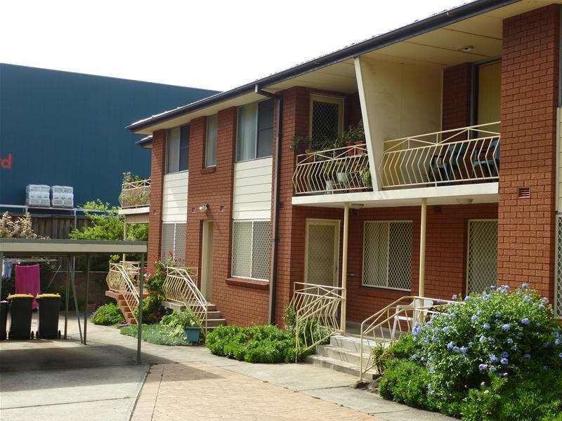 2/23 First Avenue, Warrawong, NSW 2502