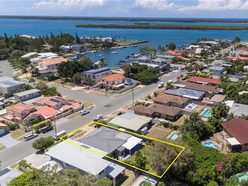 52 Howard Street, Runaway Bay, Qld 4216