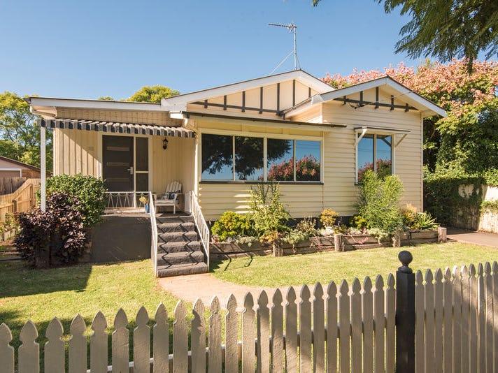 18 Louisa Street, South Toowoomba, Qld 4350