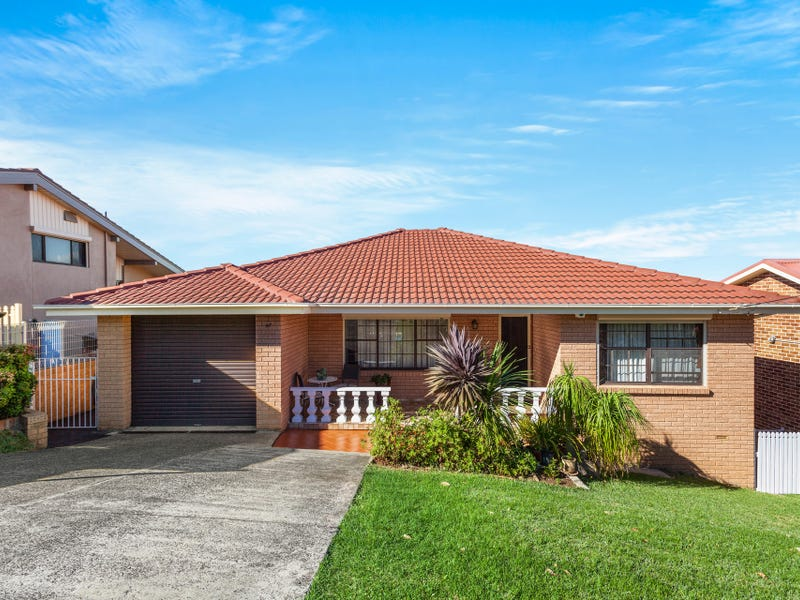 77 Blackman Parade, Unanderra, NSW 2526
