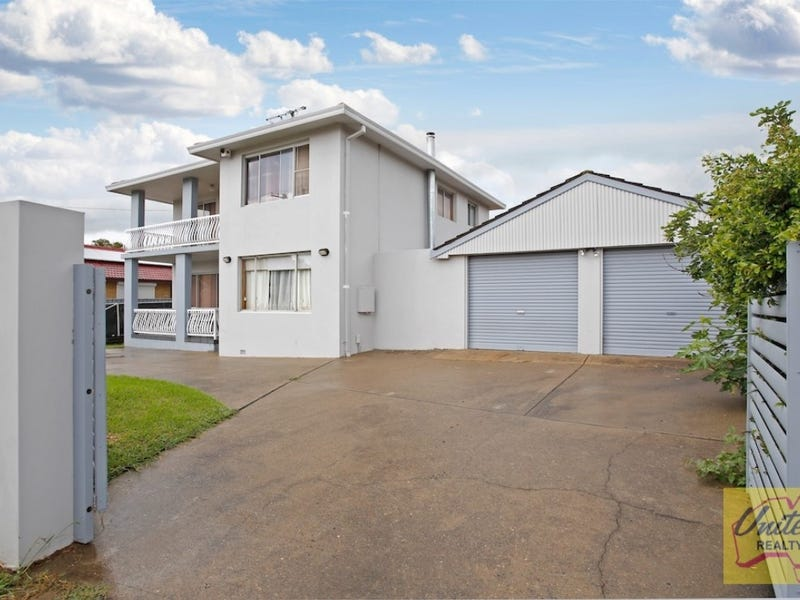 27 Maddecks Avenue, Moorebank, NSW 2170
