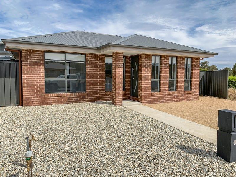 67A McLaren Boulevard, Thurgoona, NSW 2640