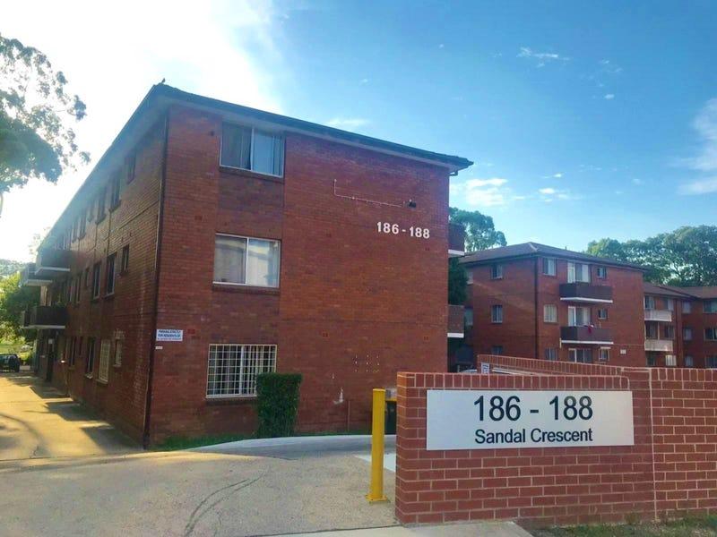 28/186-188 Sandal Crescent, Carramar, NSW 2163