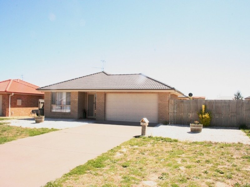 9 Falconer Place, Bungendore, NSW 2621