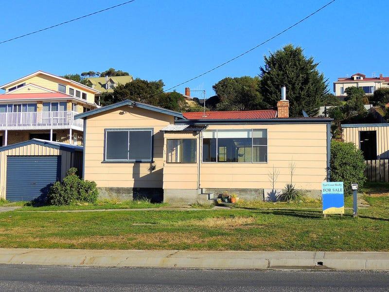 136 Scamander Avenue, Scamander, Tas 7215